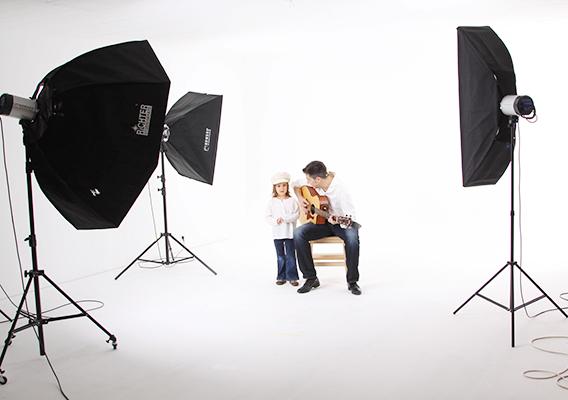 Christoph Nitz und Tochter im Studio