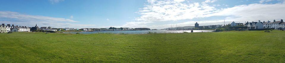 Blick auf den Hafen von Port Ellen
