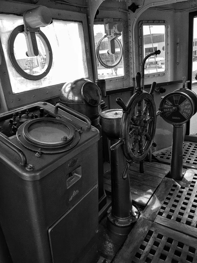 Steering wheel by Lothar Stobbe