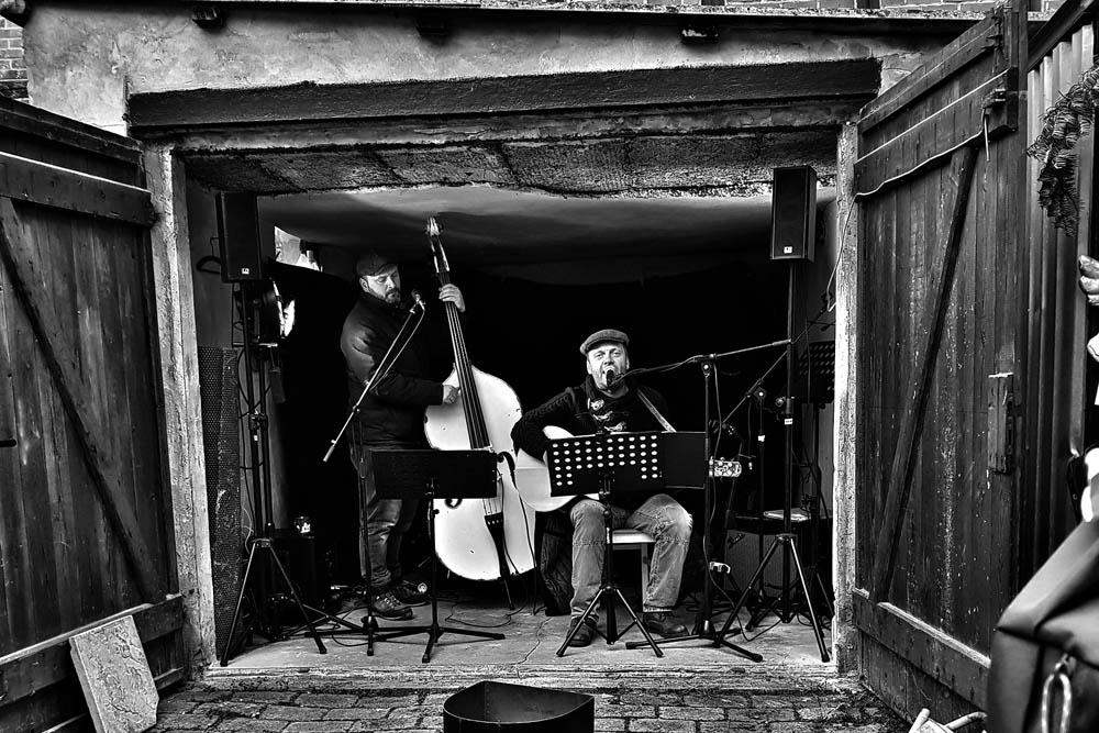 Garage-Band by Lothar Stobbe