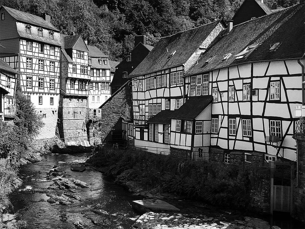 Monschau by Lothar Stobbe