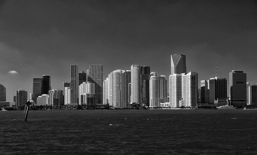 skyline_Miami by Lothar Stobbe